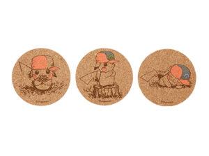 Set 1 Sottobicchieri in sughero dei Pikachu con i cappelli di Ash
