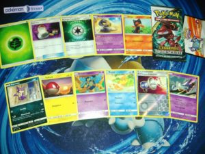 unboxing_bustina_10_leggende_iridescenti_gcc_pokemontimes-it