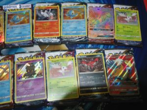 unboxing_bustine_leggende_iridescenti_rare_02_gcc_pokemontimes-it