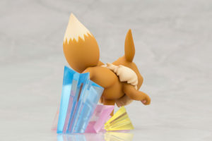 modellino_trainer_blue_eevee_figure_img09_pokemontimes-it