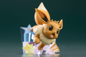 modellino_trainer_blue_eevee_figure_img12_pokemontimes-it
