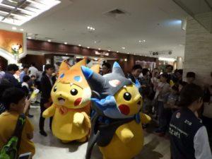 poncho_pikachu_costume_party_evento_img10_pokemontimes-it